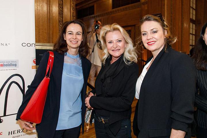 look! Business Awards 2019_Sophie Karmasin(l.) mit PR-Lady Susanne Weichselbaum (M.) und Schönheitschirurgin Sabine Apfolterer
